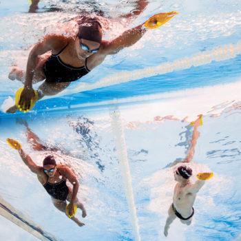 Finis agility handpaddles actiebeelden apexswim